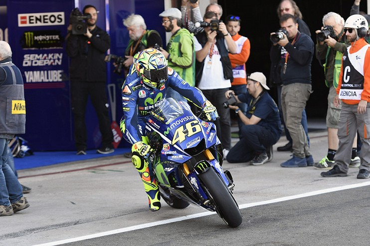 Valentino Rossi signs with Yamaha for two more years Image #791477