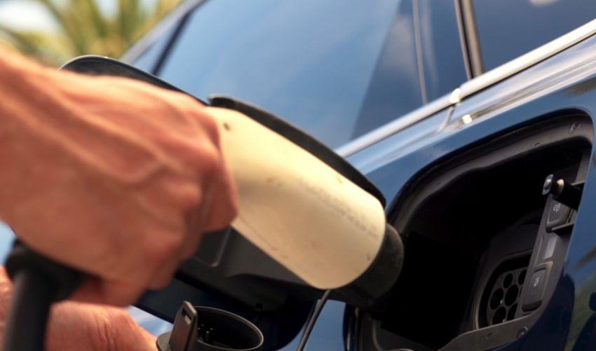 Bentley Bentayga Hybrid – new 3.0L V6, 50 km e-range Image #1021931