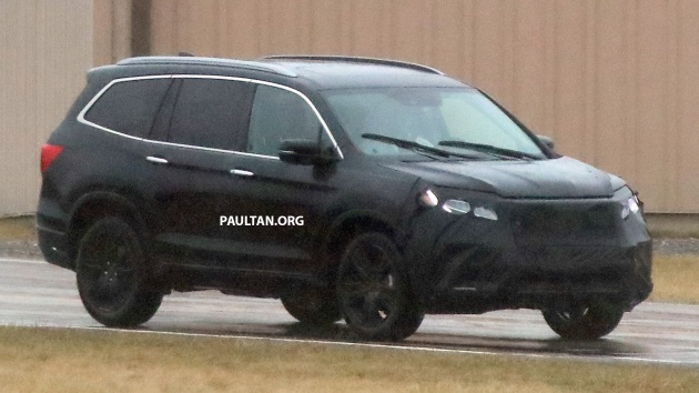 spied 2019 honda pilot facelift spotted eight seat suv to get new insight 39 s dual motor hybrid. Black Bedroom Furniture Sets. Home Design Ideas