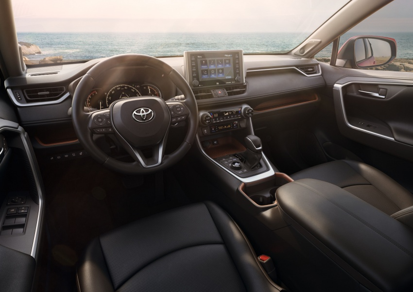 2019 Toyota RAV4 makes its New York debut – TNGA platform, Dynamic Force engines, all-new styling Image #797792