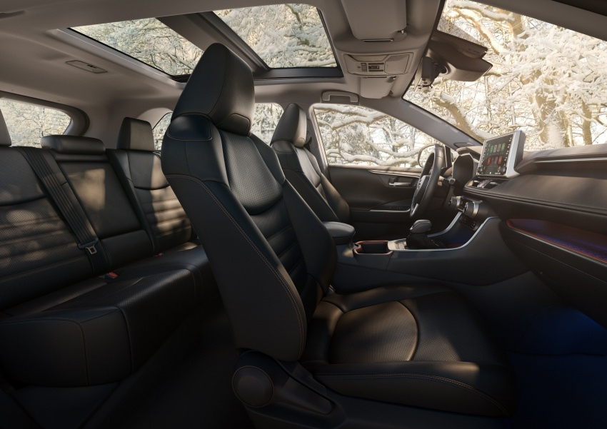 2019 Toyota RAV4 makes its New York debut – TNGA platform, Dynamic Force engines, all-new styling Image #797794