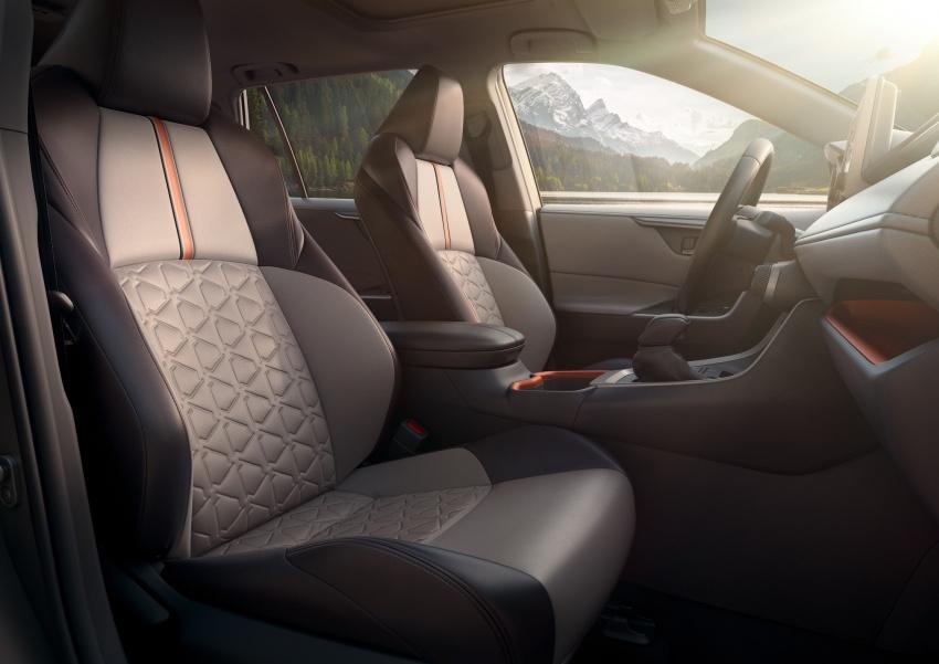 2019 Toyota RAV4 makes its New York debut – TNGA platform, Dynamic Force engines, all-new styling Image #797795