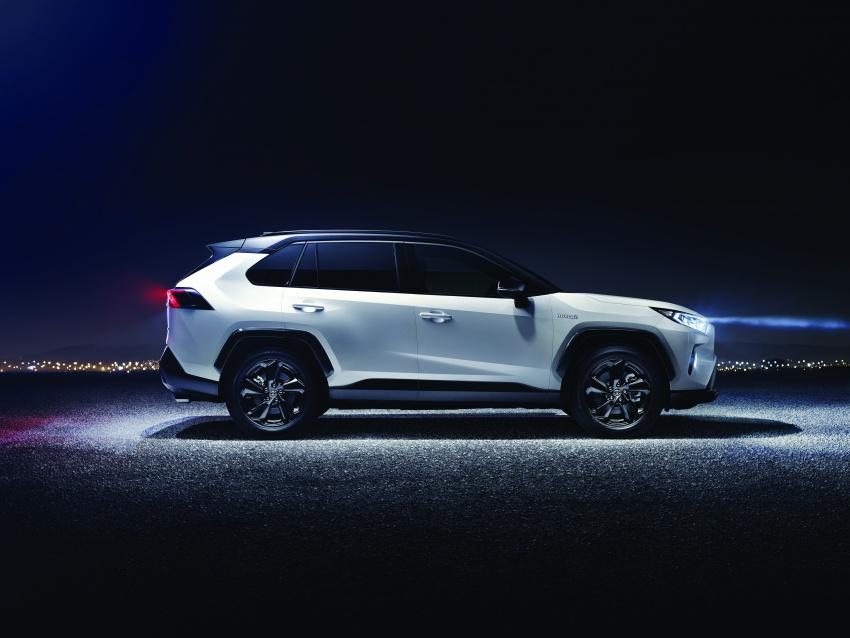2019 Toyota RAV4 makes its New York debut – TNGA platform, Dynamic Force engines, all-new styling Image #798004