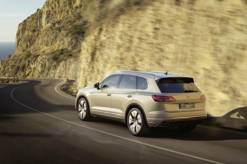 2019 Volkswagen Touareg debuts with 15-inch display Image #795554