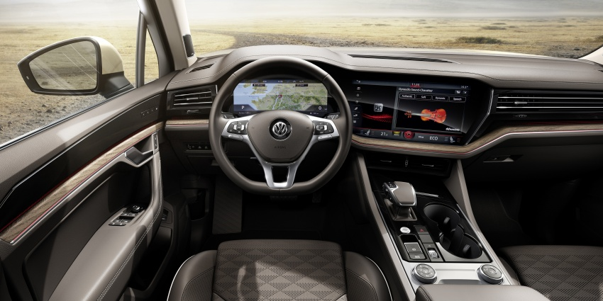 2019 Volkswagen Touareg debuts with 15-inch display Image #795561