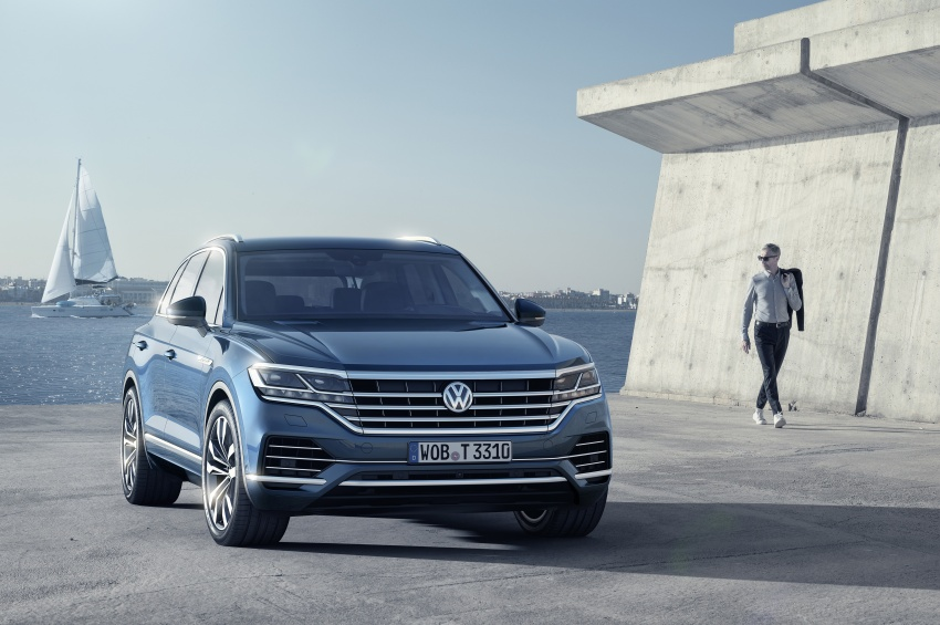 2019 Volkswagen Touareg debuts with 15-inch display Image #795562