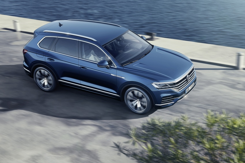 2019 Volkswagen Touareg debuts with 15-inch display Image #795565