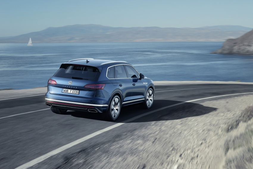 2019 Volkswagen Touareg debuts with 15-inch display Image #795568