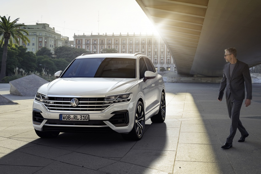 2019 Volkswagen Touareg debuts with 15-inch display Image #795571