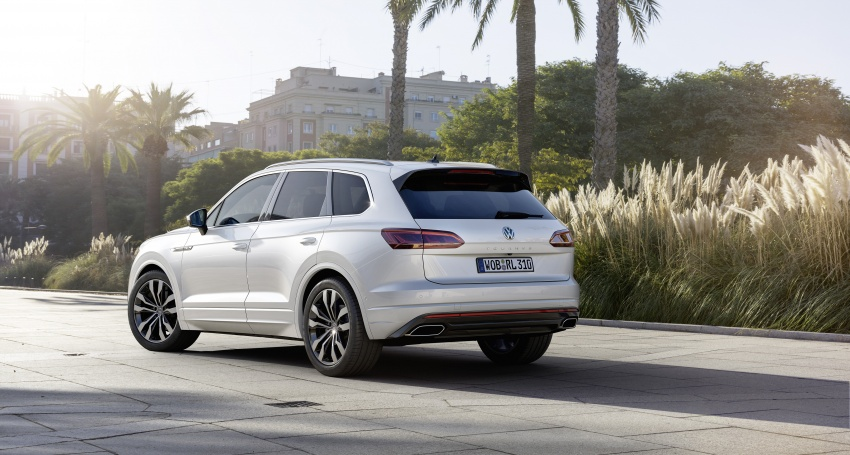 2019 Volkswagen Touareg debuts with 15-inch display Image #795572