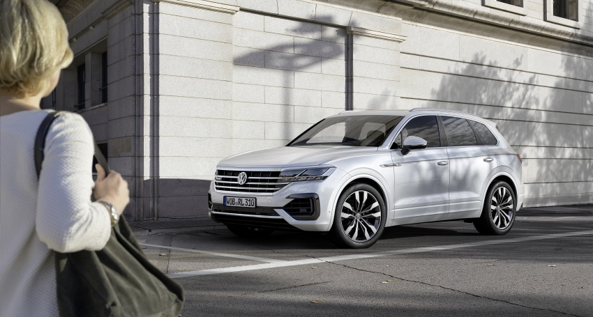 2019 Volkswagen Touareg debuts with 15-inch display Image #795573