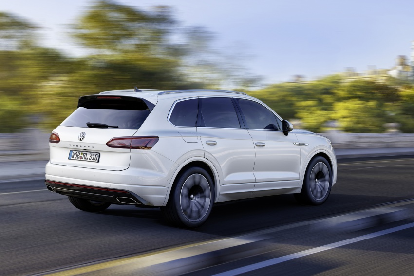 2019 Volkswagen Touareg debuts with 15-inch display Image #795576