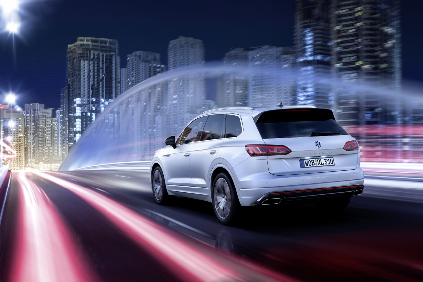 2019 Volkswagen Touareg debuts with 15-inch display Image #795578