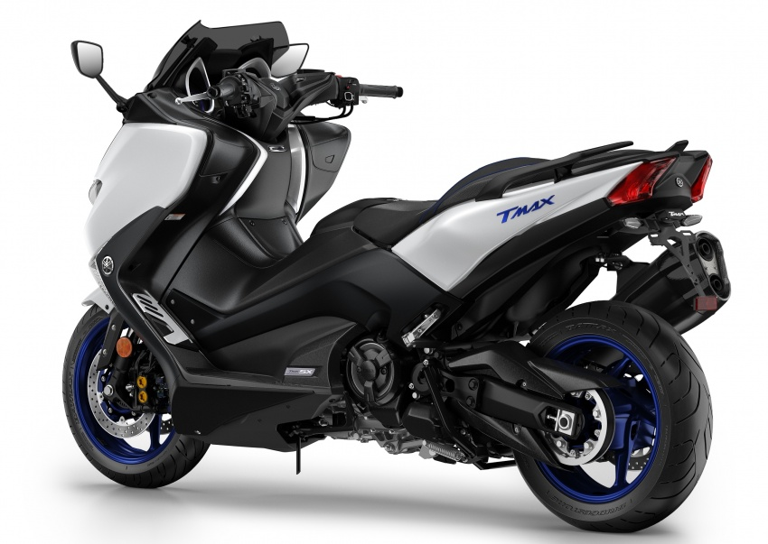 2018 Yamaha TMax in Europe – new SX and DX version Image #789076