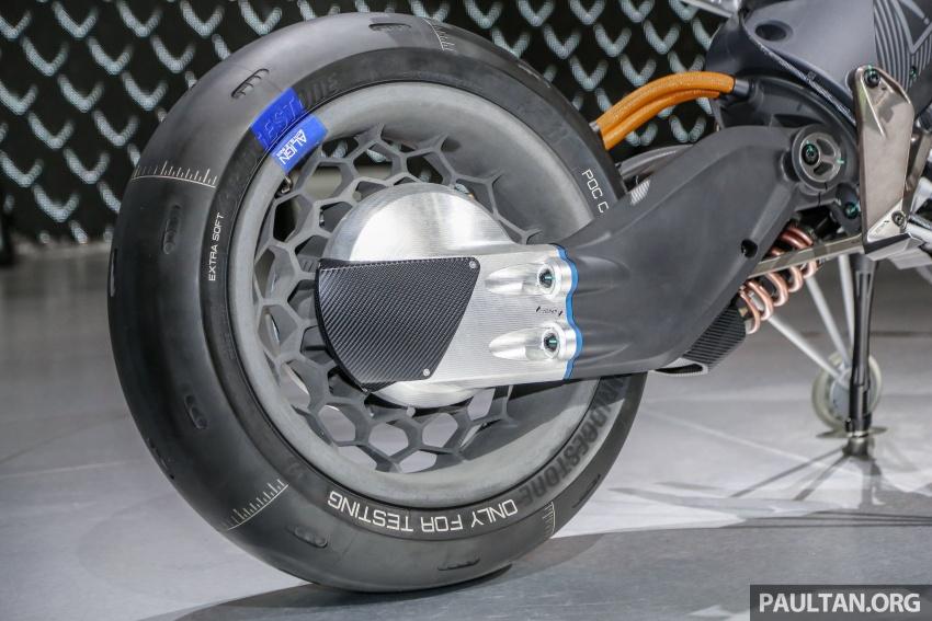 GALLERY: 2017 Yamaha Qbix and Motoroid concept Image #799134
