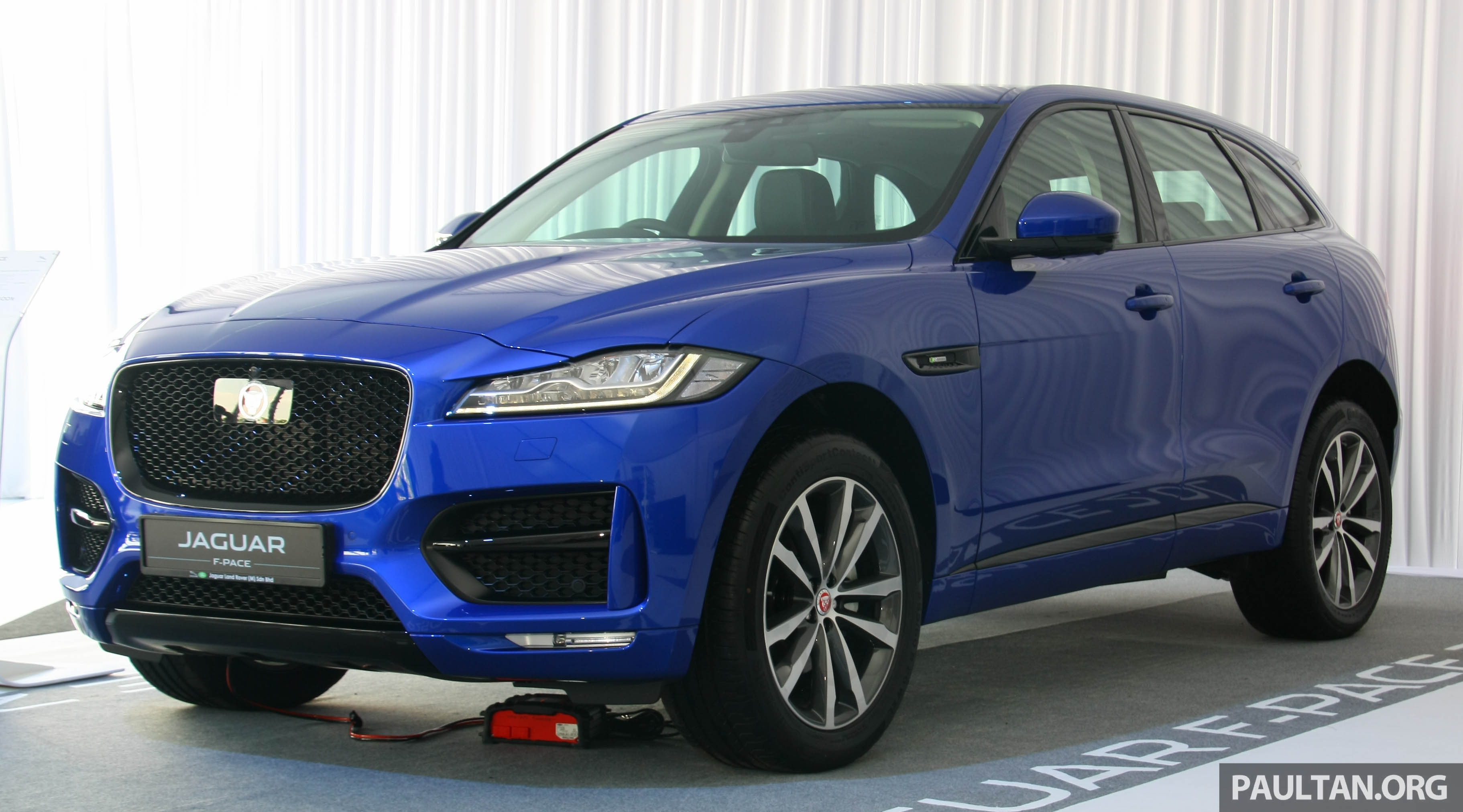 Jaguar F Pace 2 0l Ingenium Now Available In Malaysia 250 Ps 365 Nm Three Variants Priced From Rm426k Paultan Org