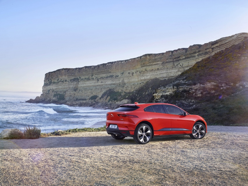 Jaguar I-Pace – brand's first all-electric vehicle debuts with 400 PS, 0-100 km/h in 4.8 seconds, 480 km range Image #784901