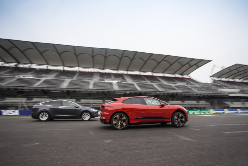 Jaguar I-Pace – brand's first all-electric vehicle debuts with 400 PS, 0-100 km/h in 4.8 seconds, 480 km range Image #785019