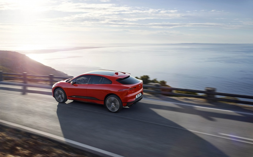 Jaguar I-Pace – brand's first all-electric vehicle debuts with 400 PS, 0-100 km/h in 4.8 seconds, 480 km range Image #784917