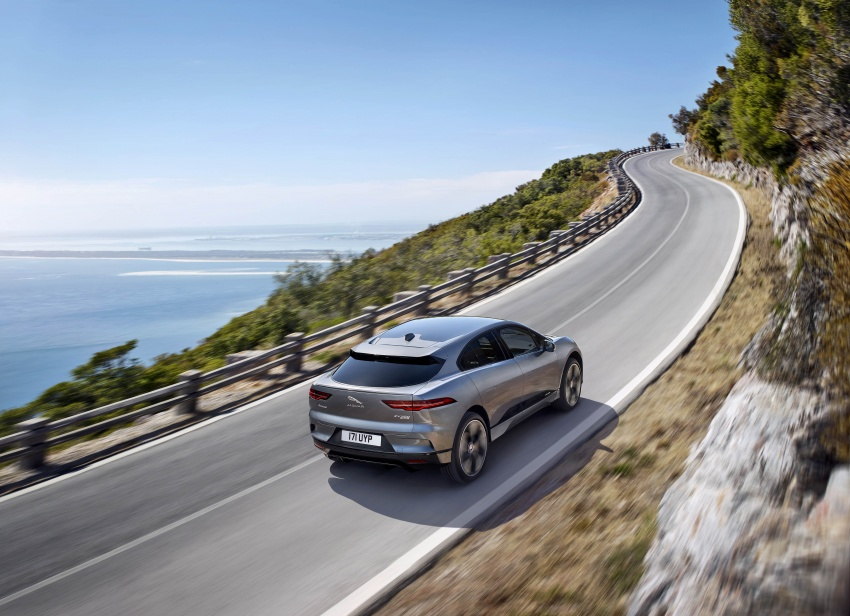 Jaguar I-Pace – brand's first all-electric vehicle debuts with 400 PS, 0-100 km/h in 4.8 seconds, 480 km range Image #784918