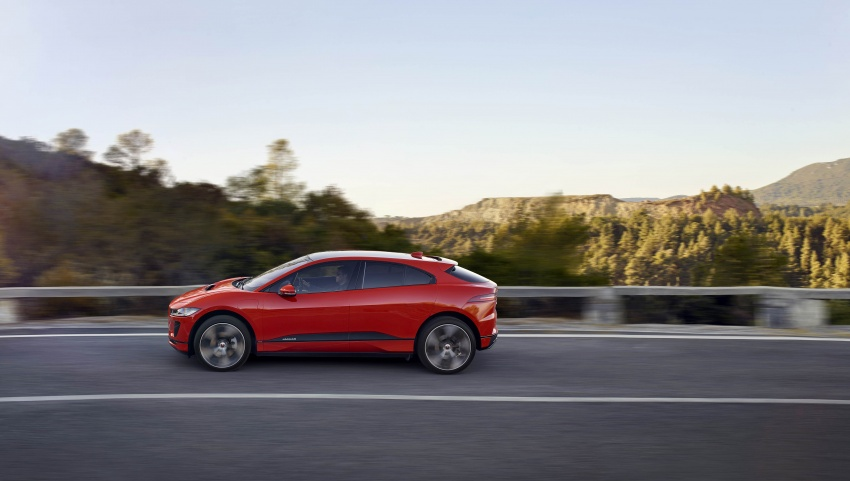 Jaguar I-Pace – brand's first all-electric vehicle debuts with 400 PS, 0-100 km/h in 4.8 seconds, 480 km range Image #784924