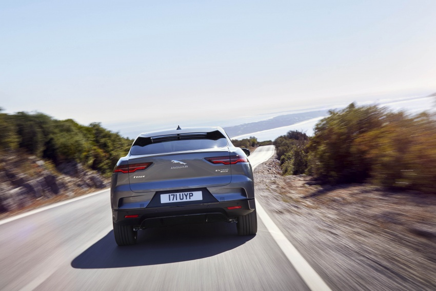 Jaguar I-Pace – brand's first all-electric vehicle debuts with 400 PS, 0-100 km/h in 4.8 seconds, 480 km range Image #784930