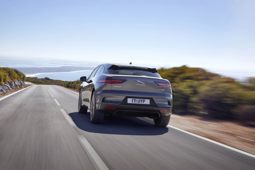 Jaguar I-Pace – brand's first all-electric vehicle debuts with 400 PS, 0-100 km/h in 4.8 seconds, 480 km range Image #784933