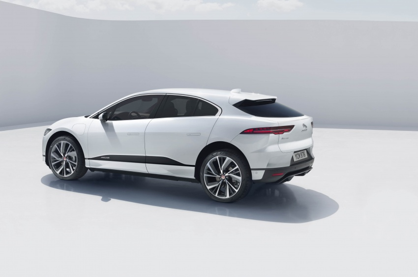 Jaguar I-Pace – brand's first all-electric vehicle debuts with 400 PS, 0-100 km/h in 4.8 seconds, 480 km range Image #784941