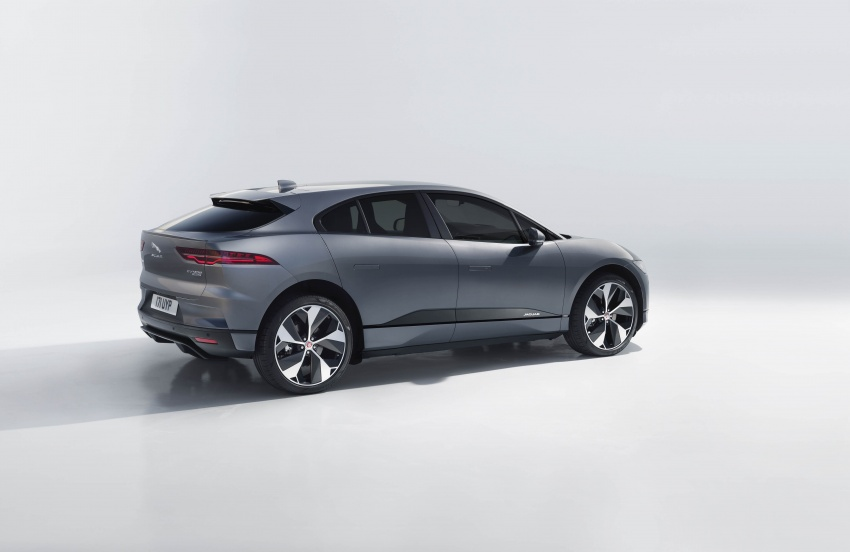 Jaguar I-Pace – brand's first all-electric vehicle debuts with 400 PS, 0-100 km/h in 4.8 seconds, 480 km range Image #784948