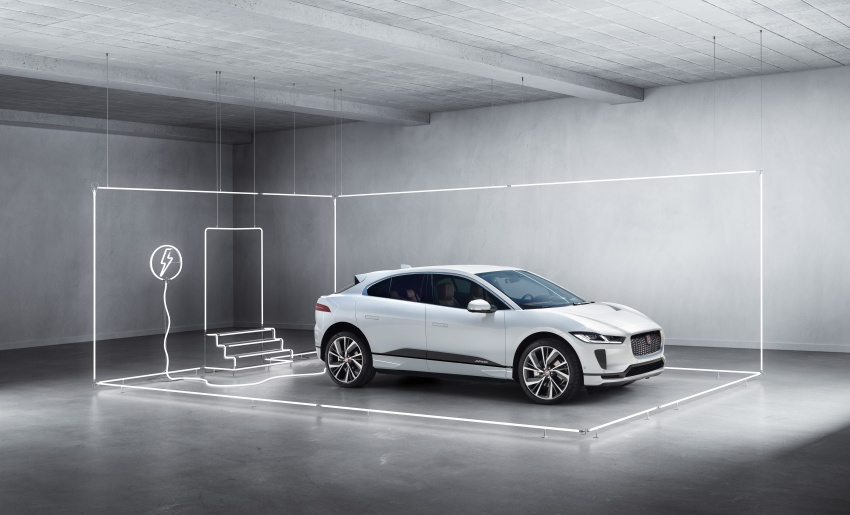 Jaguar I-Pace – brand's first all-electric vehicle debuts with 400 PS, 0-100 km/h in 4.8 seconds, 480 km range Image #784983