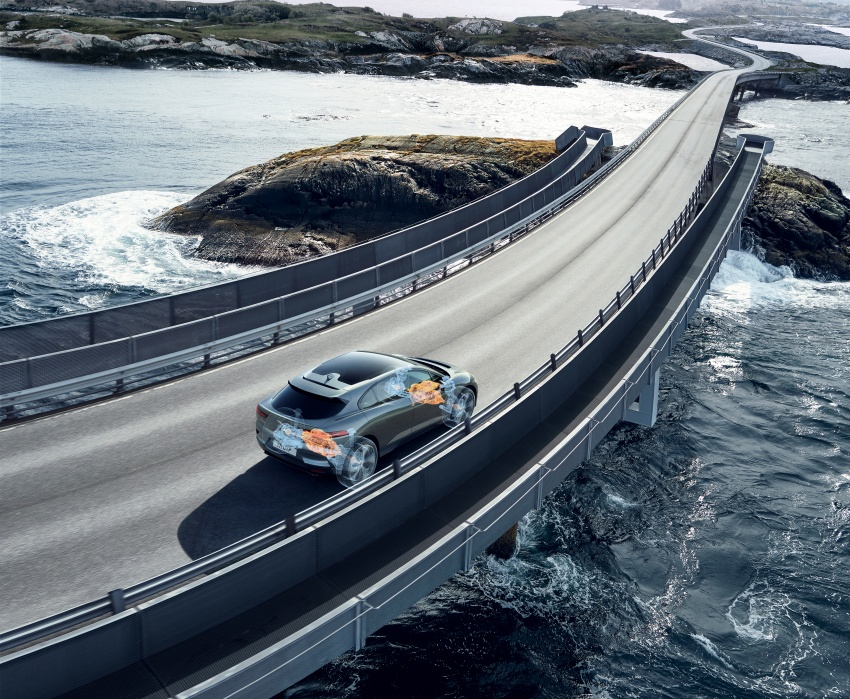 Jaguar I-Pace – brand's first all-electric vehicle debuts with 400 PS, 0-100 km/h in 4.8 seconds, 480 km range Image #784991