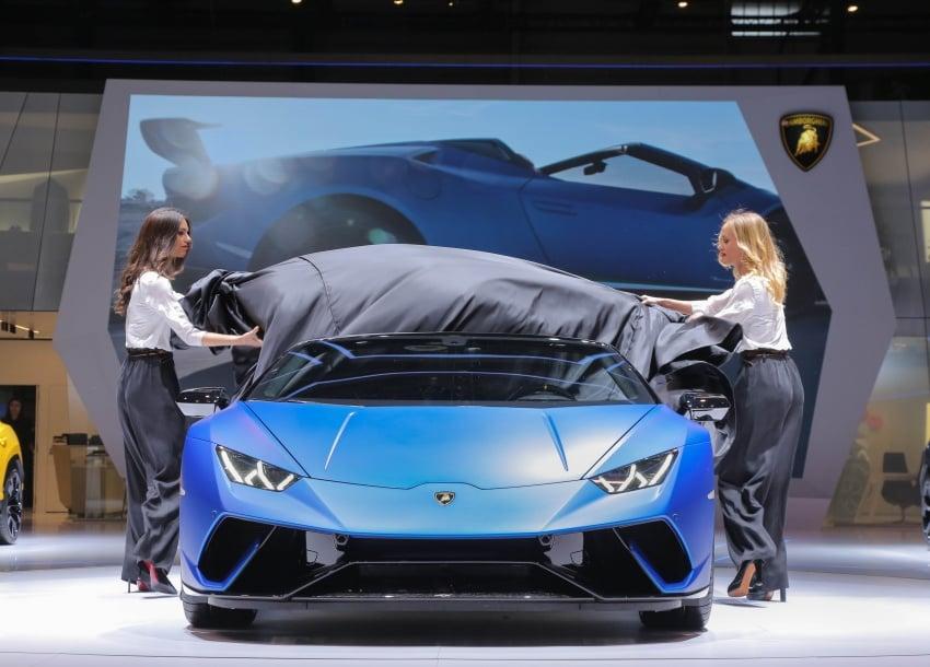 Lamborghini Huracan Performante Spyder revealed Image #787562