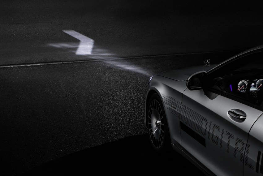 Mercedes-Benz Digital Light system makes its debut Image #786571