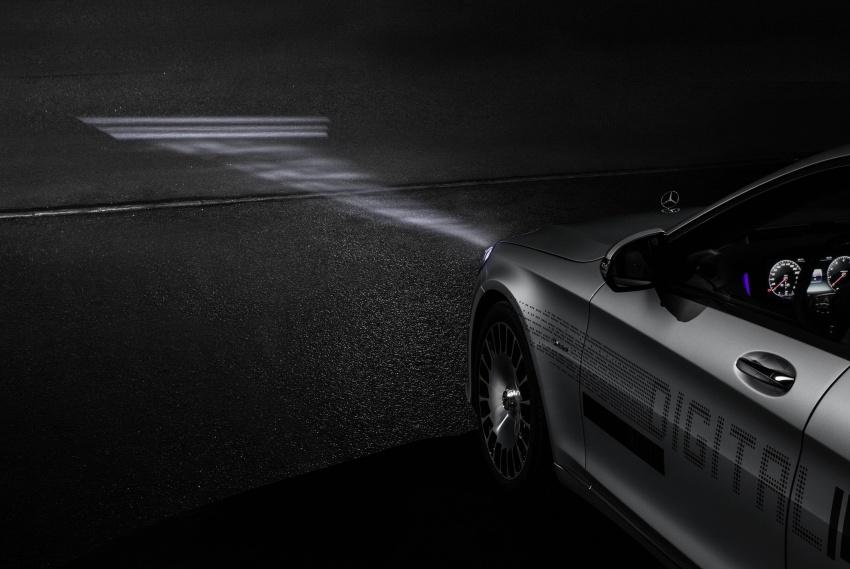 Mercedes-Benz Digital Light system makes its debut Image #786573