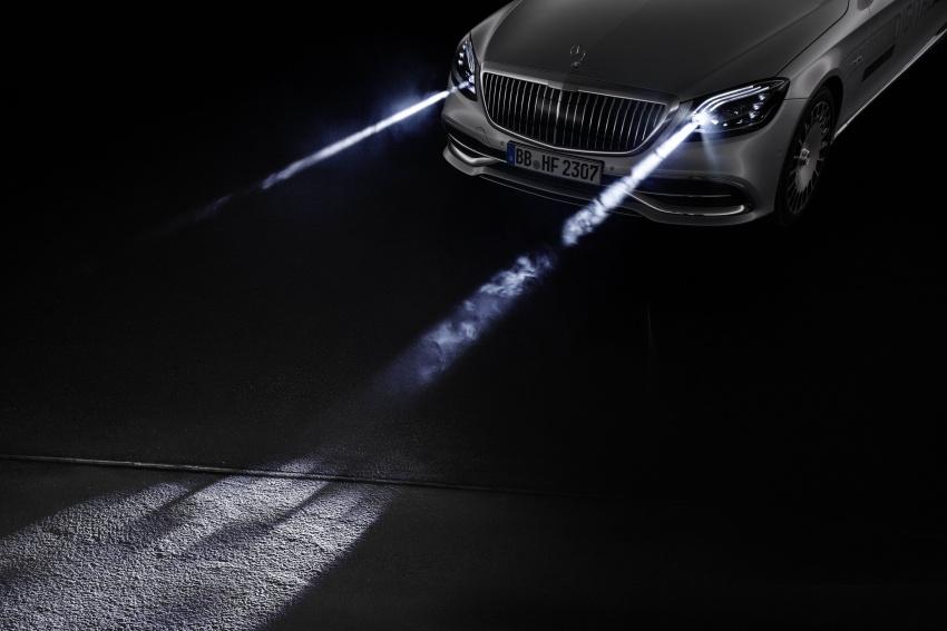 Mercedes-Benz Digital Light system makes its debut Image #786574