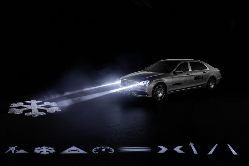 Mercedes-Benz Digital Light system makes its debut Image #786577