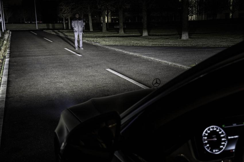 Mercedes-Benz Digital Light system makes its debut Image #786562
