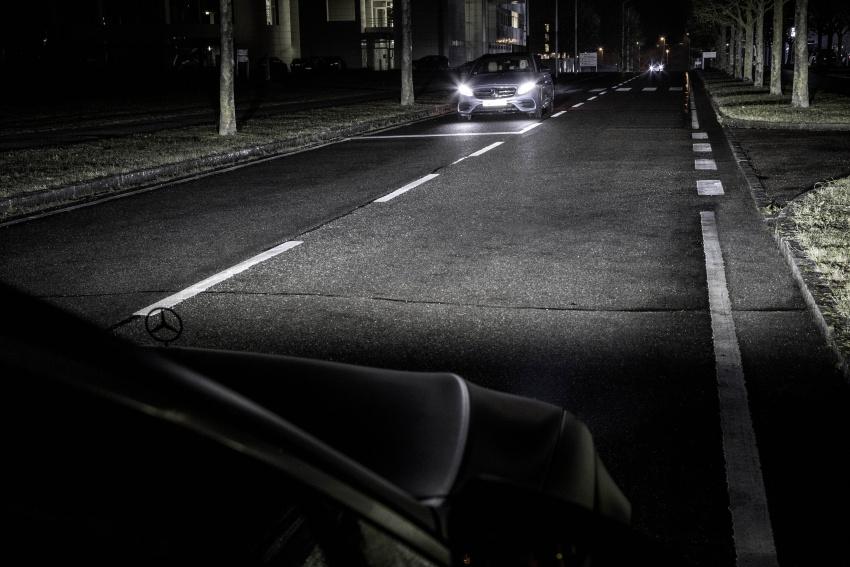 Mercedes-Benz Digital Light system makes its debut Image #786563