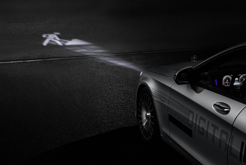Mercedes-Benz Digital Light system makes its debut Image #786565