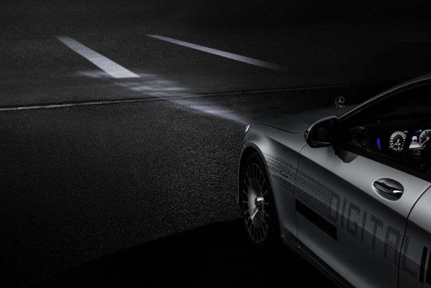 Mercedes-Benz Digital Light system makes its debut Image #786566