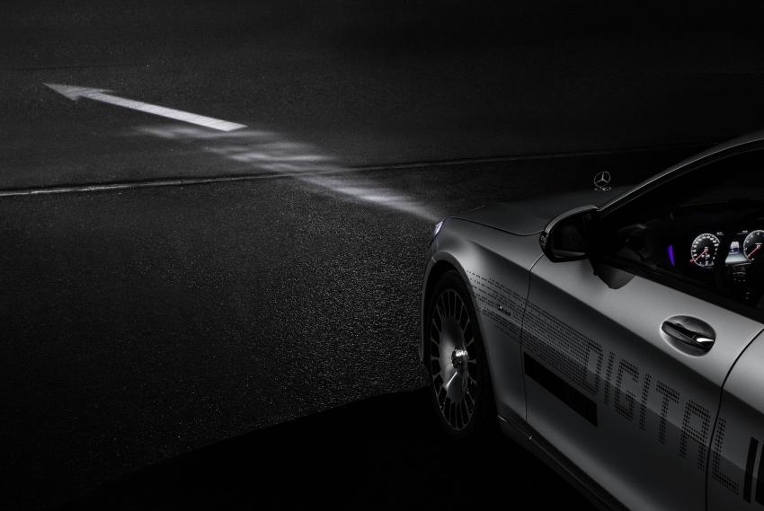 Mercedes-Benz Digital Light system makes its debut Image #786567