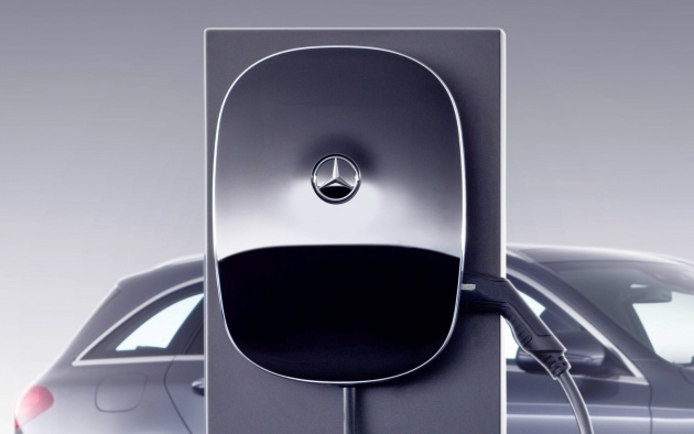 Mercedes Benz Announces Next Gen Wallbox Charger Internet Capable Up To 22 Kw Charging Capability
