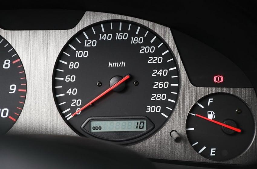 Nissan Skyline GT-R R34 V-Spec II Nür –  perbatuan hanya 10 km, akan dilelong dengan jangkaan RM1 juta Image #789554
