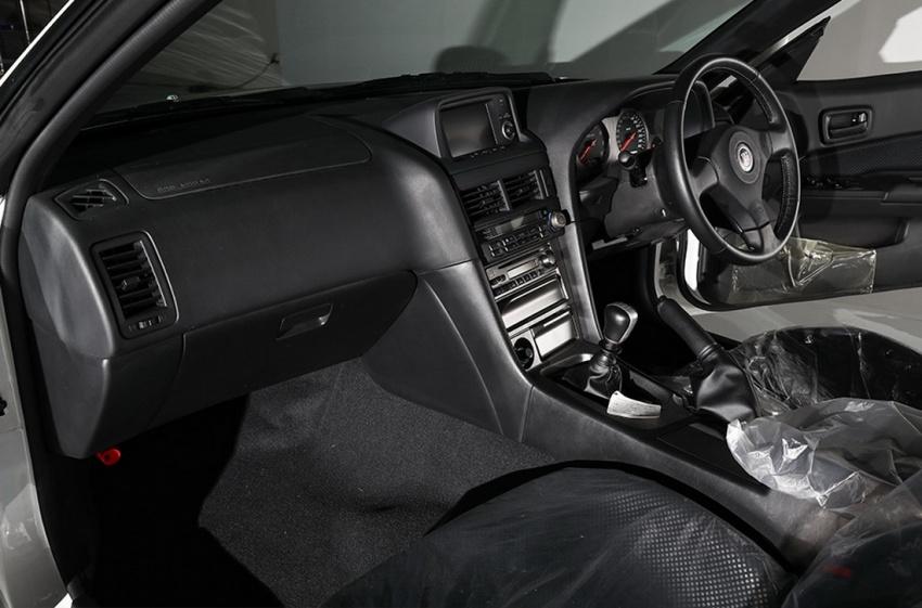 Nissan Skyline GT-R R34 V-Spec II Nür –  perbatuan hanya 10 km, akan dilelong dengan jangkaan RM1 juta Image #789551
