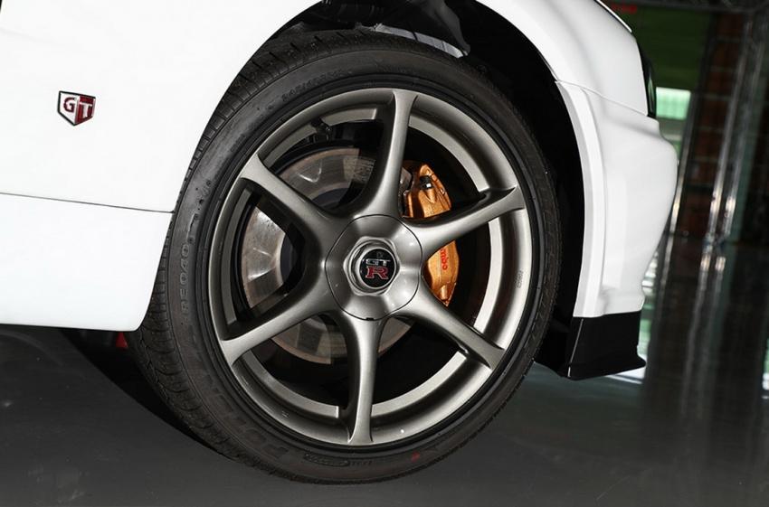 Nissan Skyline GT-R R34 V-Spec II Nür –  perbatuan hanya 10 km, akan dilelong dengan jangkaan RM1 juta Image #789546