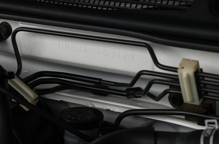Nissan Skyline GT-R R34 V-Spec II Nür –  perbatuan hanya 10 km, akan dilelong dengan jangkaan RM1 juta Image #789540