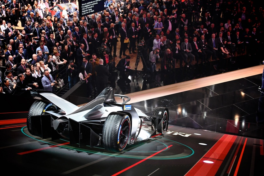Nissan unveils Formula E livery for 2018/2019 season Image #787741