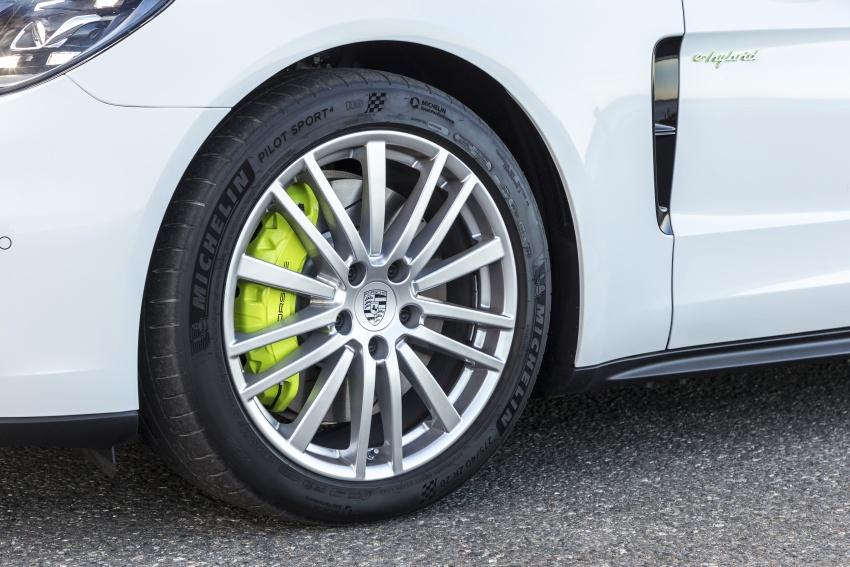 Porsche Panamera Sport Turismo – wagon mewah kini diperkenalkan secara rasmi di M'sia dengan 3 varian Image #797570