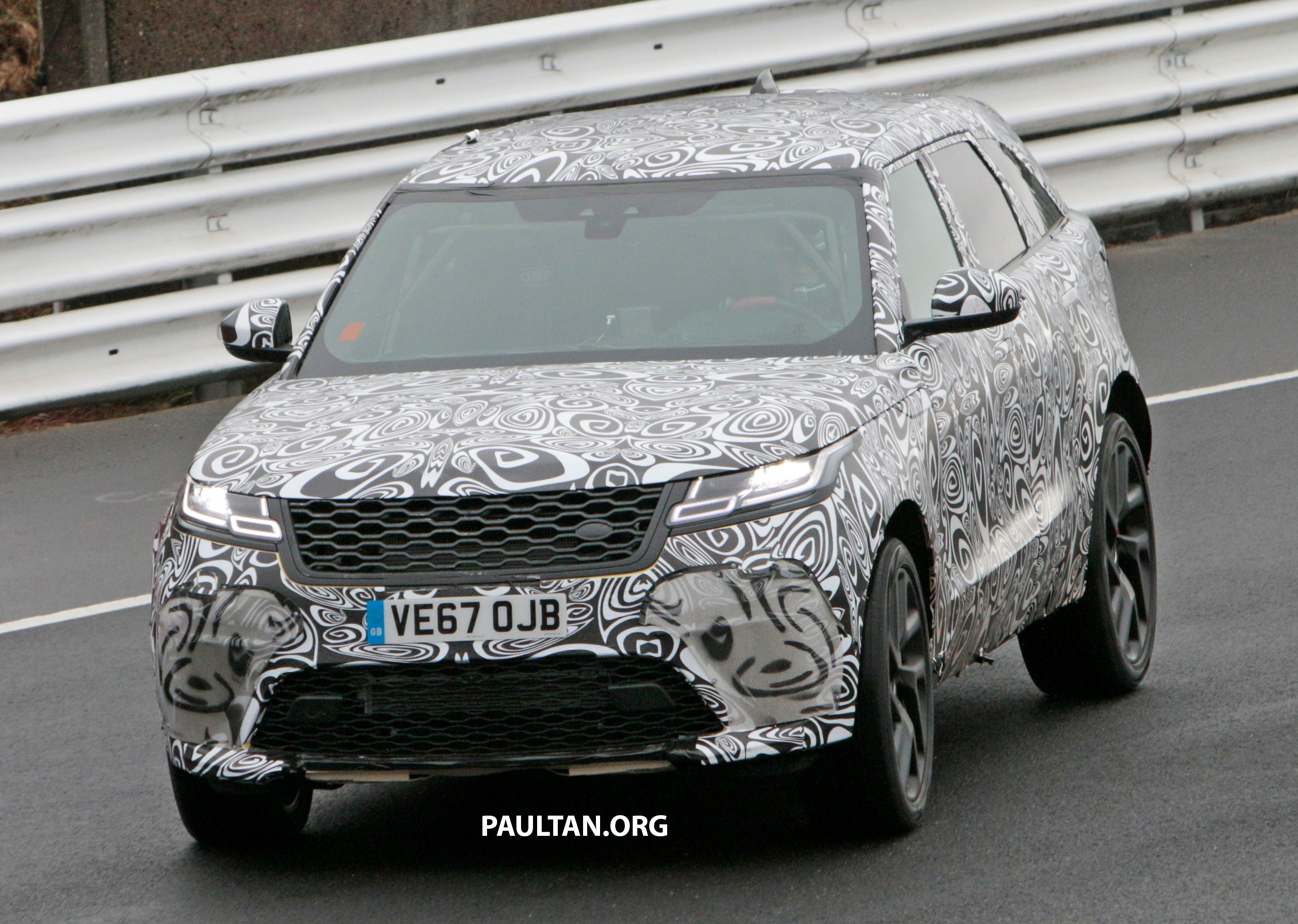 spyshots range rover velar svr spotted again. Black Bedroom Furniture Sets. Home Design Ideas