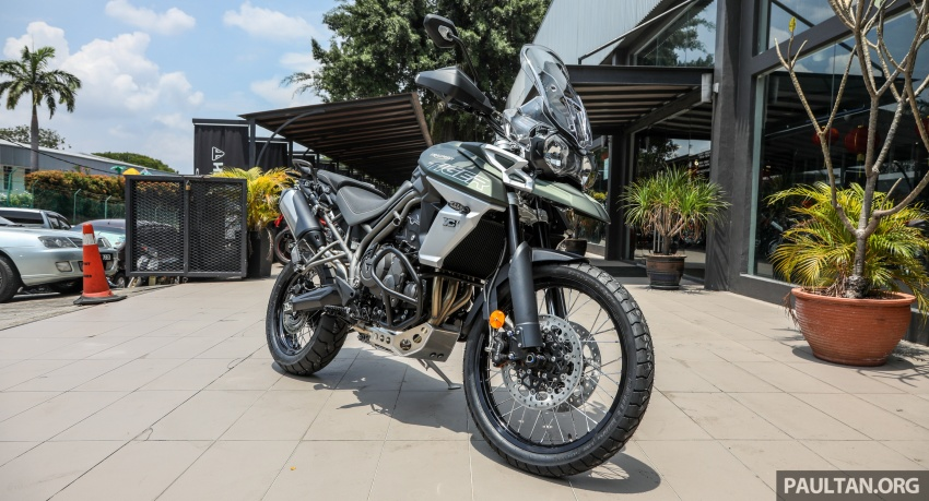 FIRST LOOK: 2018 Triumph Tiger 800 XCx and XRx adventure bikes – RM74,900 and RM69,900 Image #786902